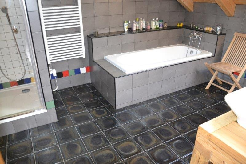 Badkamer Nistelrode : Basalt-vloertegels-badkamertegels.jpg