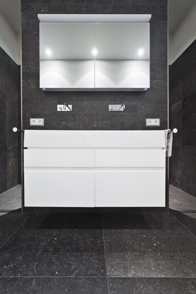 Badkamer tegels uithoorn tegels baden specialist in complete badkamers soort tegel per ruimte - Tegels badkamers ...